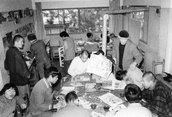 (About the photo)Painting classes in Mizunoki started in 1964. Residents encountered the act of painting in this studio space, which was a converted henhouse. Paintings by Mizunoki residents subsequently captivated international audiences. Photo: Mizunoki Museum of Art, Kameoka