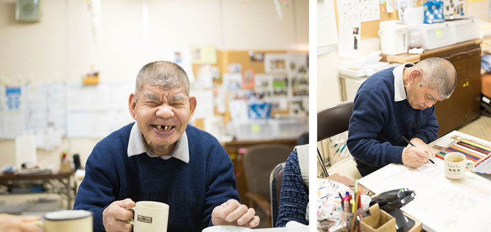 (About the photo)Born in 1936, Fukumura has been painting for more than 50 years. Even today he still paints twice a month during the studio hours and after dinner in the residential care facility where he lives.