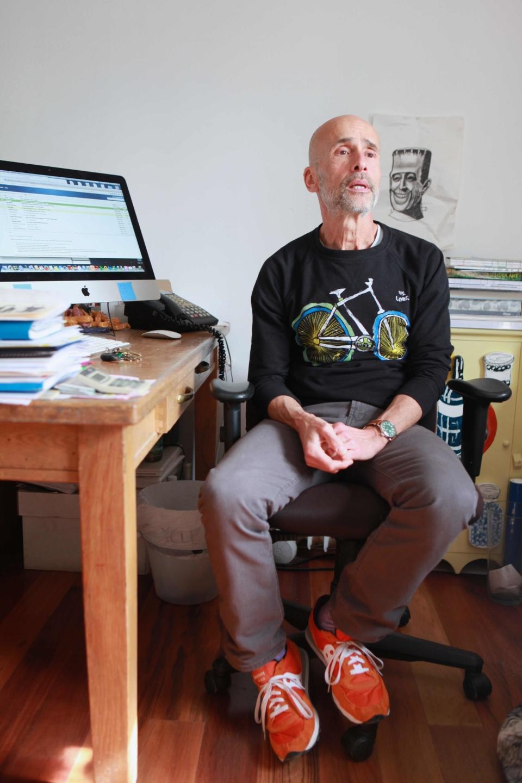 (写真について)2000年より、クリエイティブ・グロース・アートセンターのディレクターを務めている、トム・ディ・マリア。