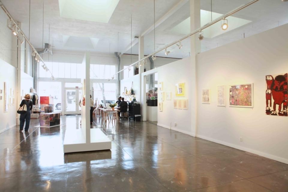 (写真について)ギャラリーは予約なしでも入場できる。写真右側の壁の向こうがスタジオになっている。