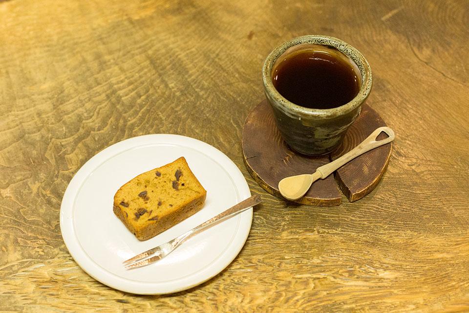 (写真について)コーヒーとイチジクのケーキ。