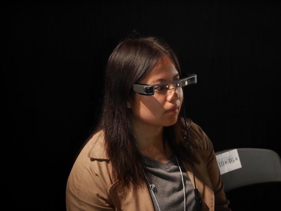 (写真について)メガネ型端末イメージ