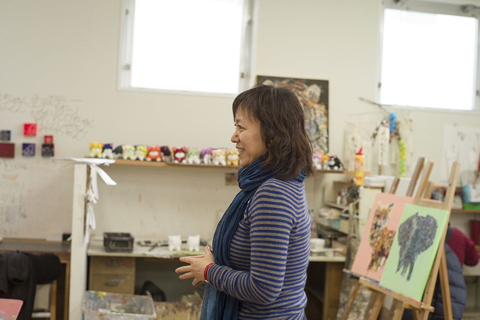 (写真について)〈たんぽぽの家〉の事務局時代は、主に障害のある人の芸術文化活動の支援や調査研究、医療や福祉のケアの現場におけるアート活動の調査を行ってきたという森下さん。