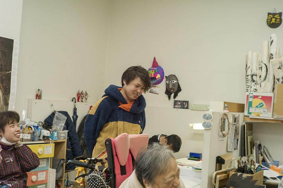 (写真について)自身もアーティストとして、作品制作を行なっているという吉永さん。