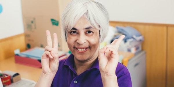 塗 敦子さんの顔写真