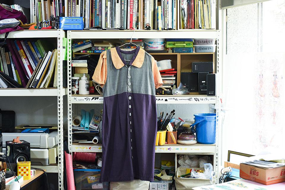(写真について)チャ・ギスンさんがART-LINKでデザイナーと共同制作したワンピース。