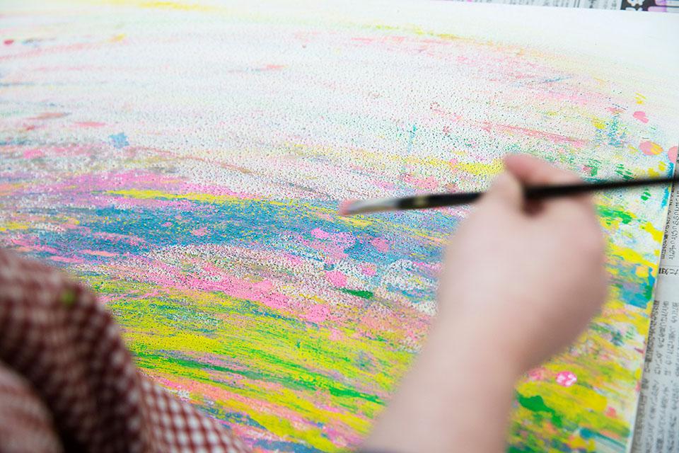 (写真について)最近気に入って繰り返しているのは、筆を左右に振る描き方。