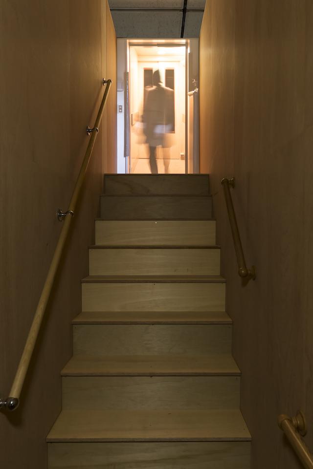(写真について)岩井成昭『注釈と追記~空家について』 (2016) 新潟市美術館におけるインスタレーション(detail)