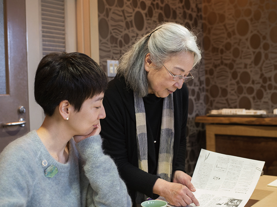 (About the photo)Right: NUMAZU Masako (Facility Director, Mizunoki As of 2017.5) Left: OKUYAMA Riko (Curator, Mizunoki Museum of Art, Kameoka)