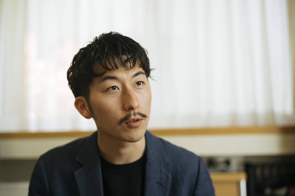 (About the photo)Fumito, COO of HERALBONY, used to work for a general contractor before taking his current position. He is the older of the twins and lives in Iwate.