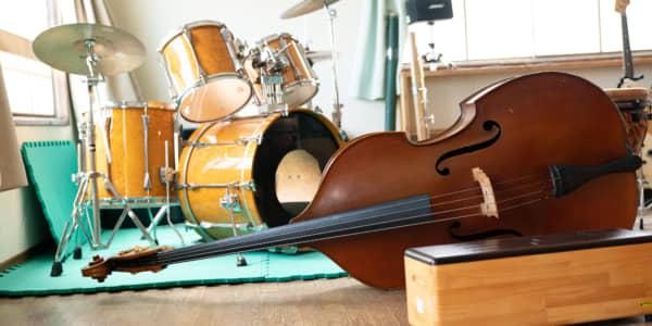 音の関係性で魅せる、自由形の演奏集団