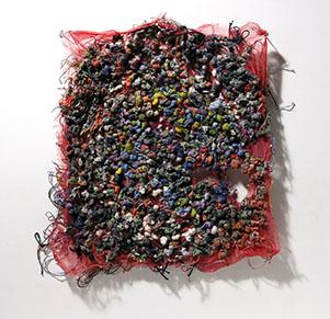 (写真について)「無題」綿オーガンジー、綿糸、絹糸/2002年